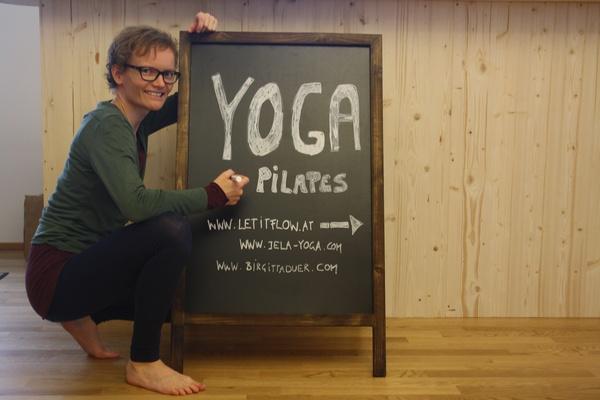 jeanette-lausen_studio-15_anusara-yoga